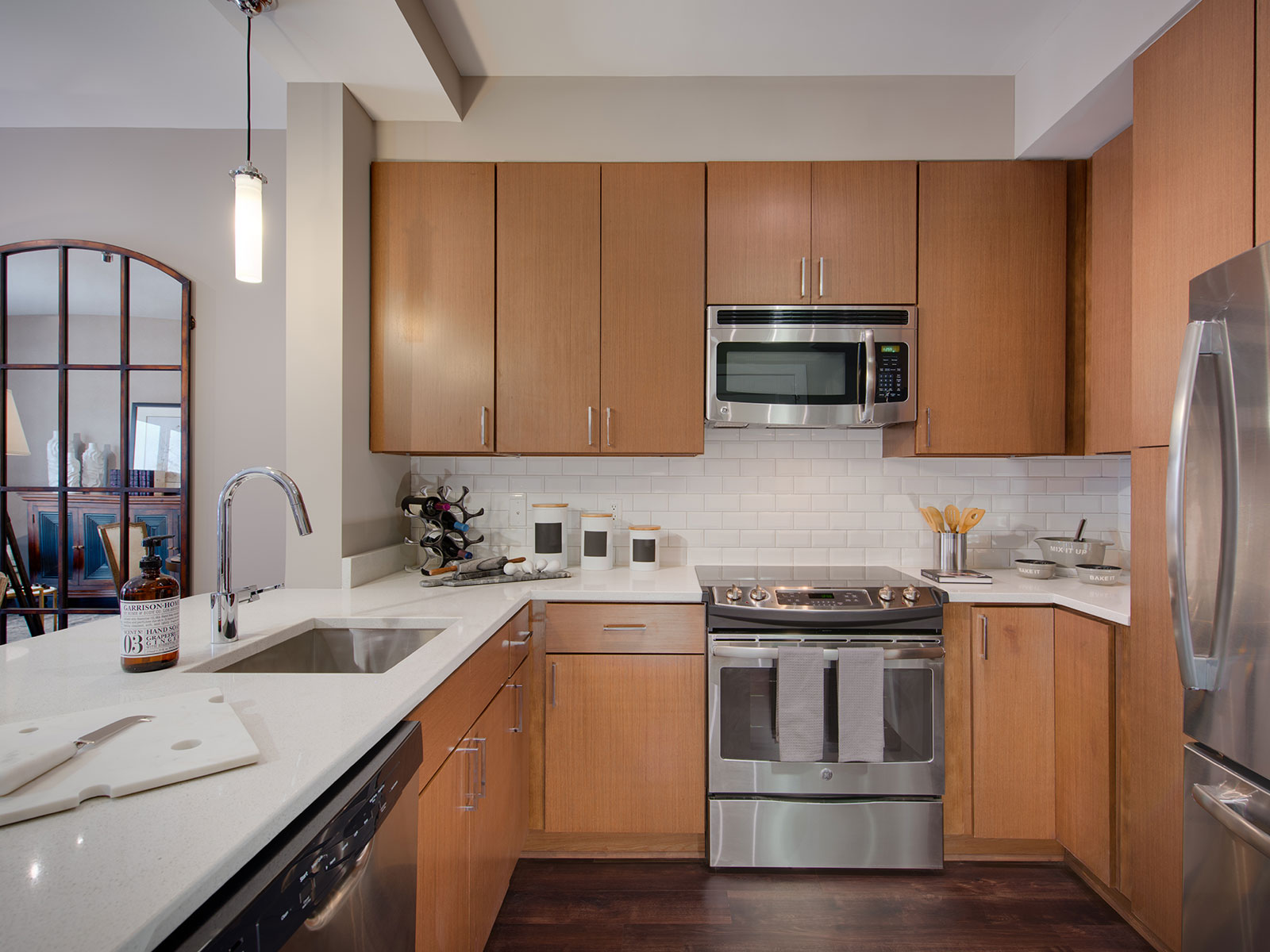 stone kitchen backsplash pictures features luxury apartments washington dc cathedral 5833