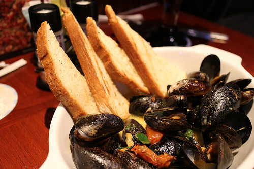 Savor Fresh Seafood at St. Arnold's Mussel Bar