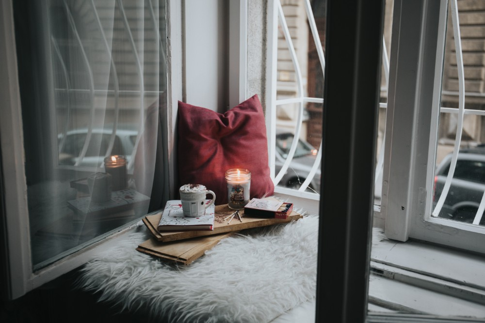 Quick and Easy Ways to Decorate Your Apartment for Autumn